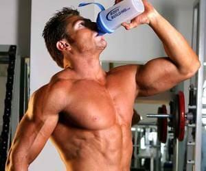 Прием белков или углеводов после тренировки поможет снизить катаболические процессы