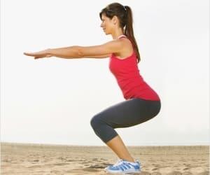Упражнения против целлюлита на ногах.