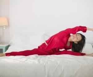 Упражнения утренней зарядки в кровати