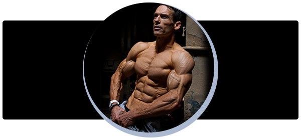 Секрет красивого мужского тела и рельефных мышц: подсушись и улыбнись!