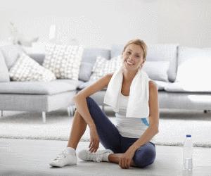 Для занятий дома вам понадобятся: фитнес-коврик, удобная спортивная одежда, интенсивнаямузыка