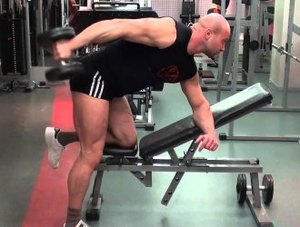 Также, как и в других упражнениях, локоть нужно зафиксировать на одном месте