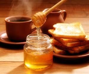 Помните, что его нельзя добавлять в горячий чай или воду